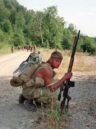 это фото моего знакомого 2001 год Чечня....он командовал